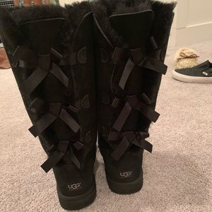 UGG tall bailey bows